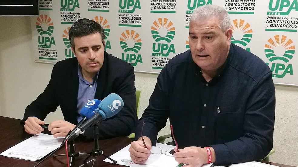 Cristóbal Cano, a la izquierda, y Manuel Piedra, secretarios generales de UPA en Jaén y Córdoba