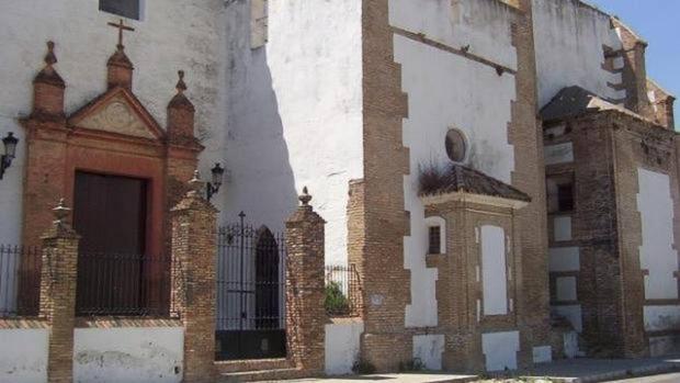 La iglesia data del siglo XV y formó parte de un convento de dominicas