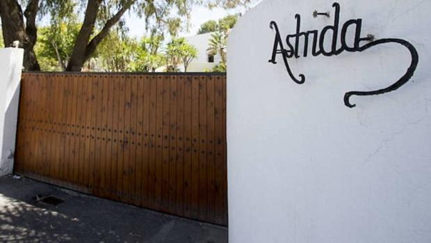 Puerta de Villa Astrida, la residencia de verano de los reyes Balduino y Fabiola.