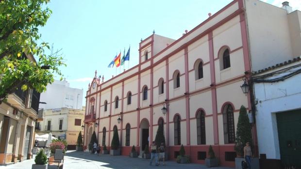 La oposición considera urgente solucionar la situación de la plantilla municipal