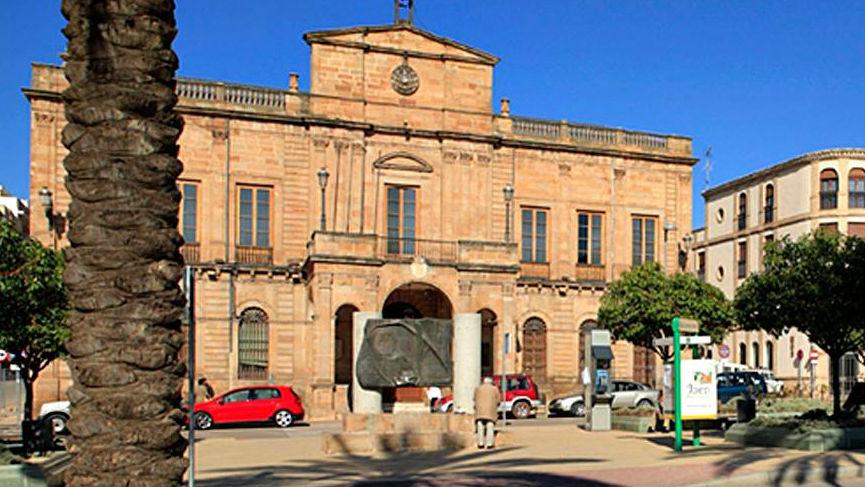 El Ayuntamiento de Linares exige la construcción del puerto seco.