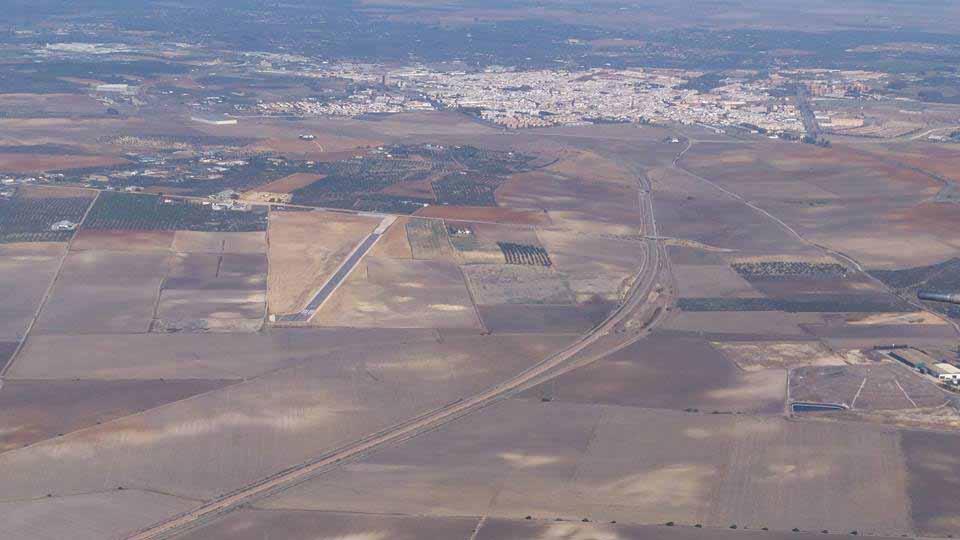 La instalación se encuentra en el término municipal de Utrera