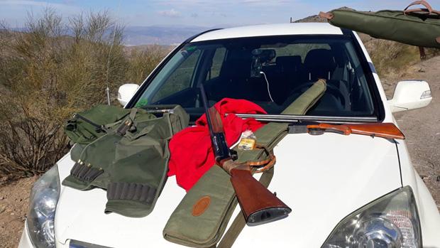 Material intervenido a los cazadores furtivos