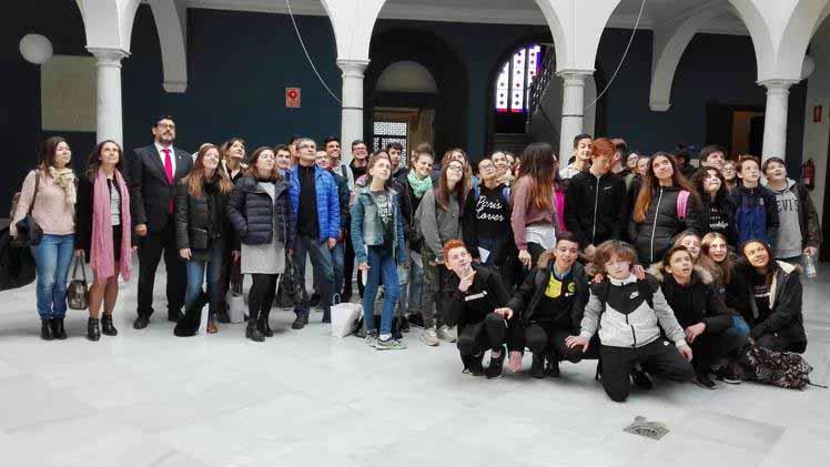 Los alumnos franceses han sido recibidos en el Ayuntamiento