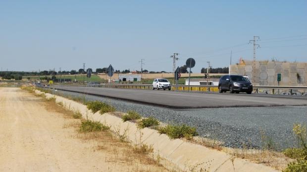 La carretera A-392 está actualmente en obras después de varios años paralizada