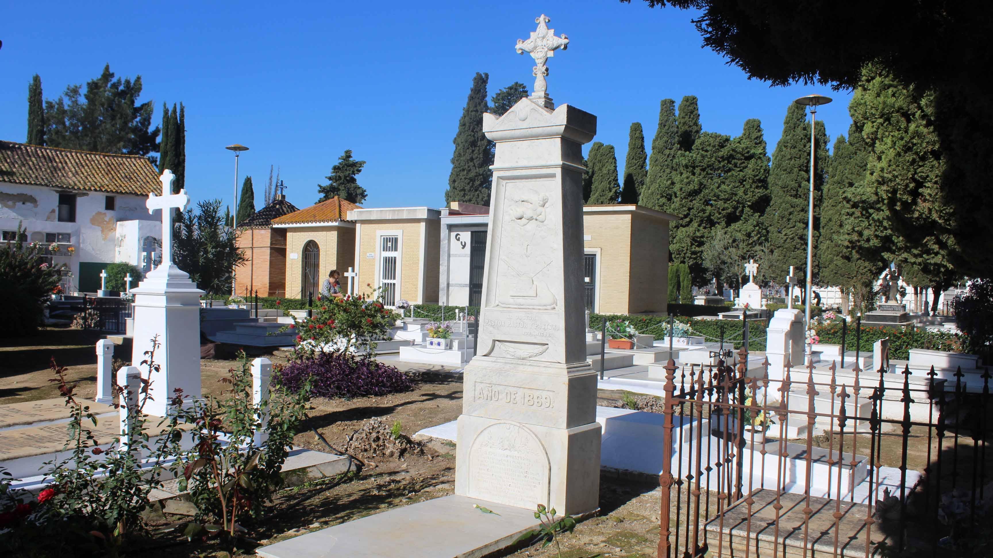 La fosa común ha sido hallada en el denominado patio de San Francisco del Cementerio de Utrera