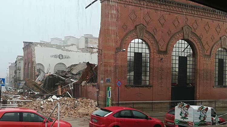 Estado del mercado de abastos de Linares tras el derrumbe de parte de su estructura