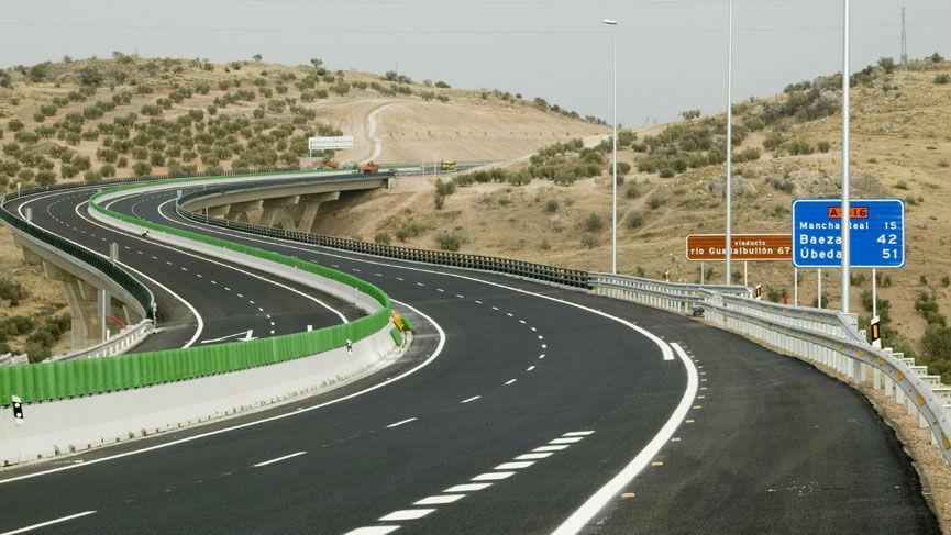 Tramo de la autovía del olivar entre Jaén y la variante de Mancha Real