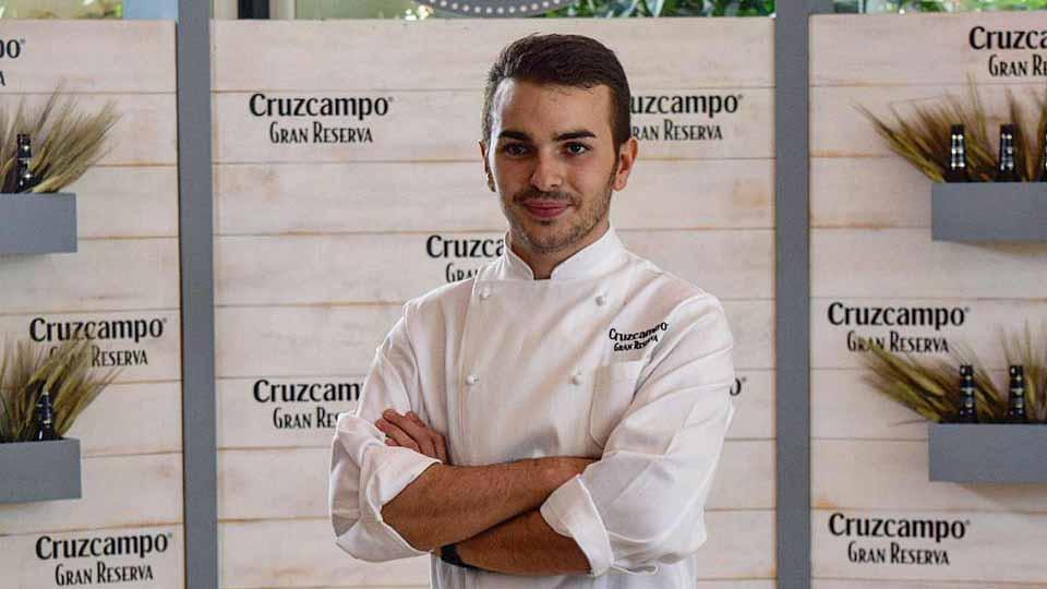 El joven cocinero utrerano Daniel León es una promesa de los fogones