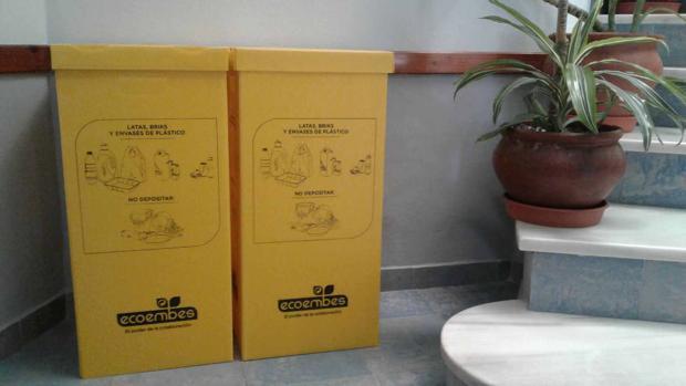 Los contenedores de reciclaje están llegando a los centros educativos de la localidad