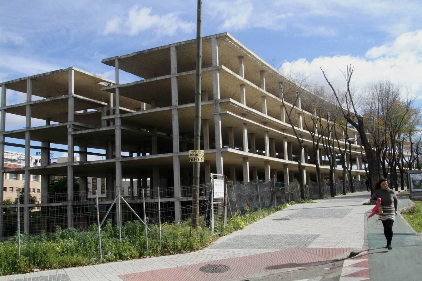 Los diez grandes proyectos inmobiliarios que la crisis for Oficinas bankia sevilla
