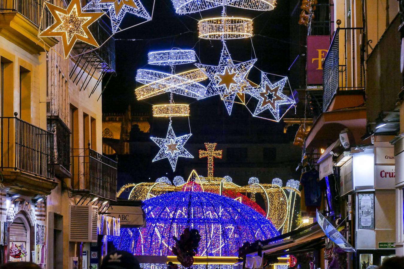 Imagenes Balcones Adornos Navidad.Fotogaleria Los Colores De La Navidad En Sevilla