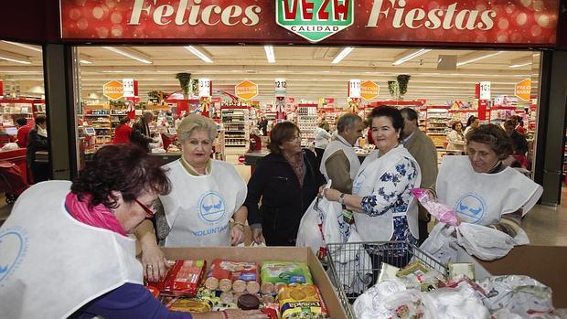 Bolsas solidarias en la línea de cajas de Deza Zoco