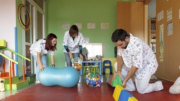 Empleados de un Centro de Atención Temprana de la capital cordobesa
