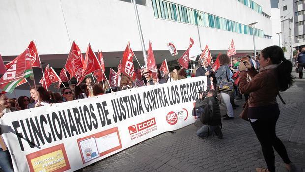 Protesta de los funcionarios de Justicia contra los recortes
