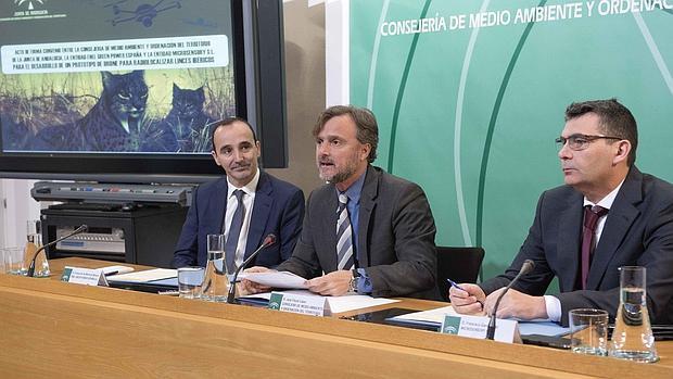 Firma del convenio entre Junta y las empresas Enel Green Power y Microsensory