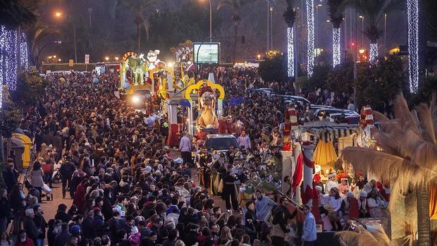 Bandas de semana santa por villancicos for Cabalgata ciudad jardin sevilla 2016