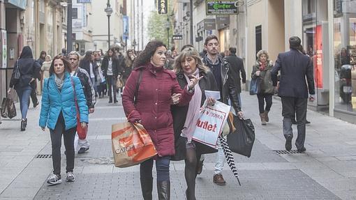 13b24cf1908 Diez calles para ir de tiendas en Córdoba
