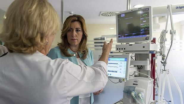 Susana Díaz, en una visita a un hospital