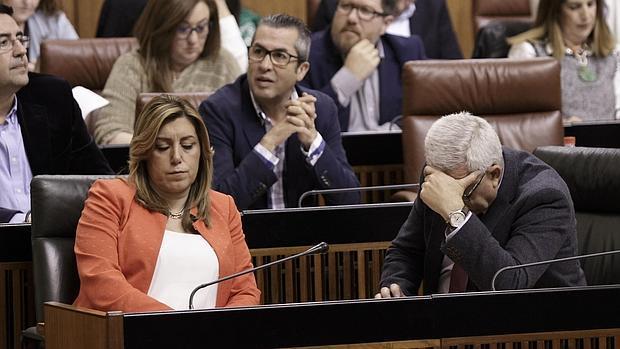 La presidenta de la Junta, Susana Díaz junto al consejero de Presidencia, Manuel Jiménez Barrios
