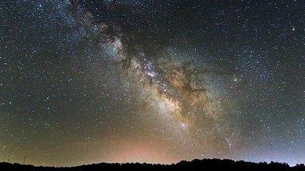 Visión de la Vía Láctea desde los Llanos de Espiel