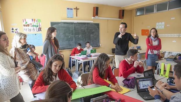 Juan José de la Torre, jefe de Estudios, dirige una de las sesiones, ayer