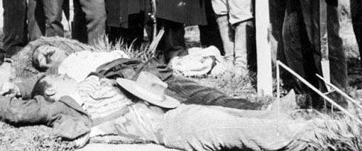 Cadáveres del Soniche, bandolero que algunas fuentes mencionan como posible familiar de El Pernales, y el Chorizo