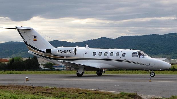 Imagen de nuevo jet de la empresa en el aeropuerto de Córdoba