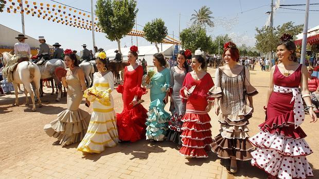 Se acaba la mala racha sol y calor para la feria de c rdoba for Feria de artesanias cordoba 2016