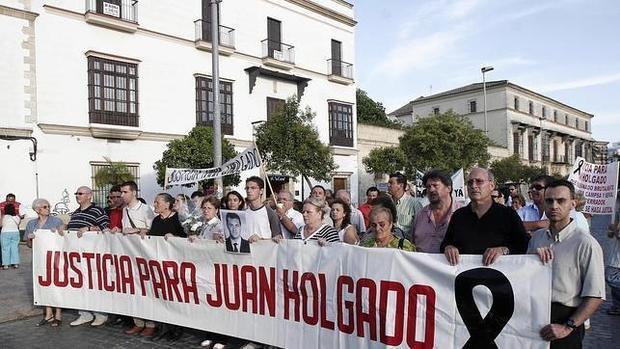 Manifestación de rpoyo a la familia Holgado