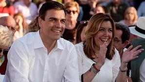 El líder del PSOE y candidato a la Moncloa, Pedro Sánchez, junto a la presidenta andaluza Susana Díaz