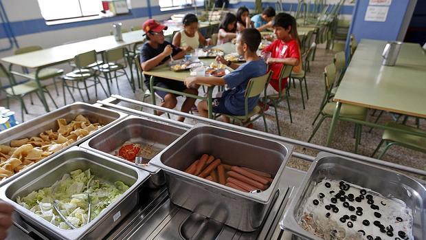 El menú de los comedores escolares en Andalucía, a 4,50 euros