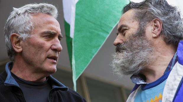 Diego Cañamero, en una protesta con el alcalde de Marinaleda, Juan Manuel Sánchez Gordillo