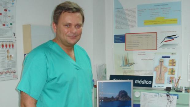 Fallece un anestesista del hospital de Cabra mientras volaba en ...