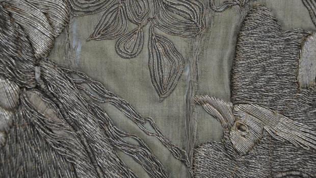 «Mantolín de los pájaros», de la hermandad del Sepulcro