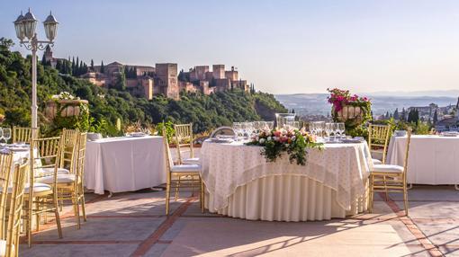 La pareja celebrará su enlace en «La Chumbera», en Granada