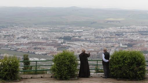 Preciosa vista de Córdoba desde Las Ermitas en la Sierra