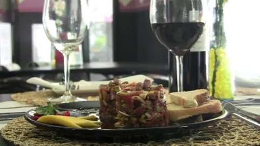 Imagen de un tartar de atún en el Bar Violín de ABC