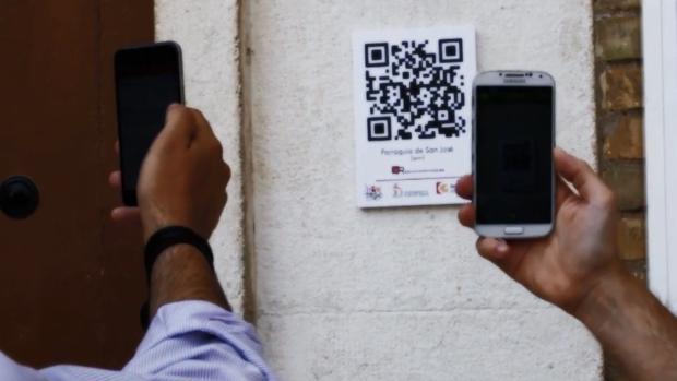 Un usuario se conecta al sistema con el código QR