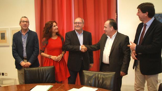 Firma del acuerdo entre Ciudadanos y el PSOE este jueves