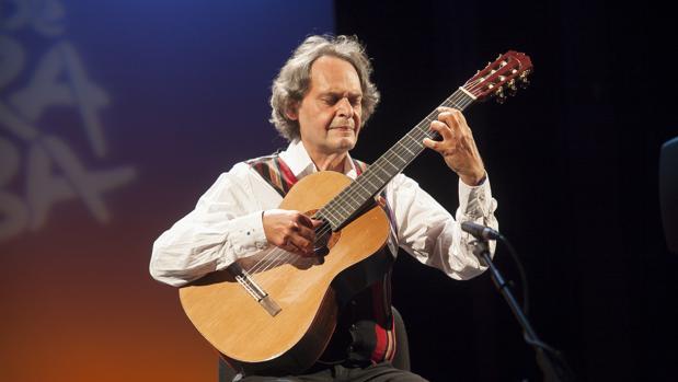 Roland Dyens, en su último concierto en Córdoba