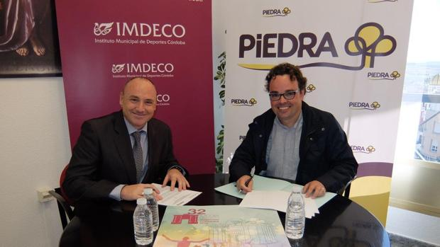 Firma del acuerdo entre Piedra y el instituto de Deportes