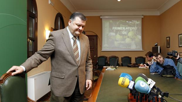 El director de la oficina comarcal agraria de los for Oficina comarcal agraria