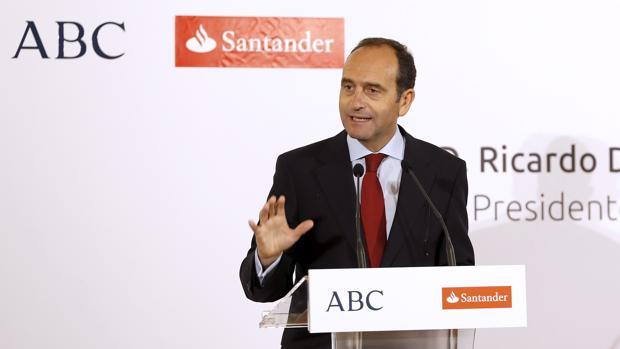 El santander ampliar su red de oficinas smart con seis for Oficinas banco santander alicante capital