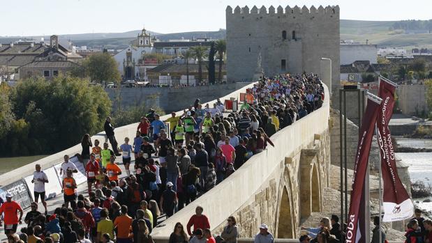 La Media Maratón de 2015, en el Puente Romano