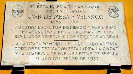Placa en recuerdo de Juan de Mesa en la iglesia de San Martín