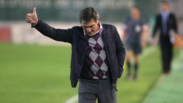 El entrenador cordobés Pepe Murcia, durante su etapa en el Córdoba CF