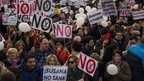 Sevilla se une a la marea blanca contra los recortes sanitarios de la Junta del próximo 15 de enero