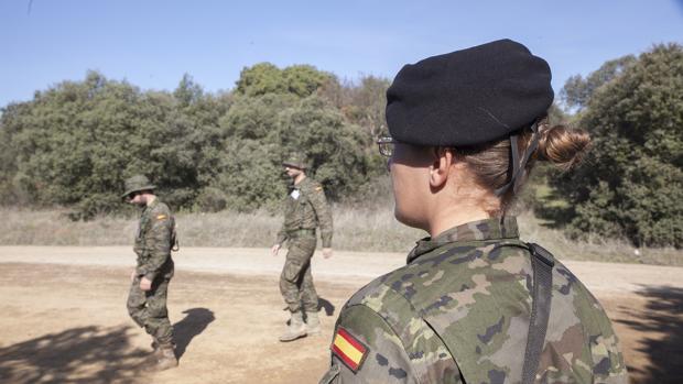 Soldados de Cerro Muriano en unas maniobras