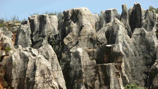 Imagen del paisaje kárstico del Cerro del Hierro